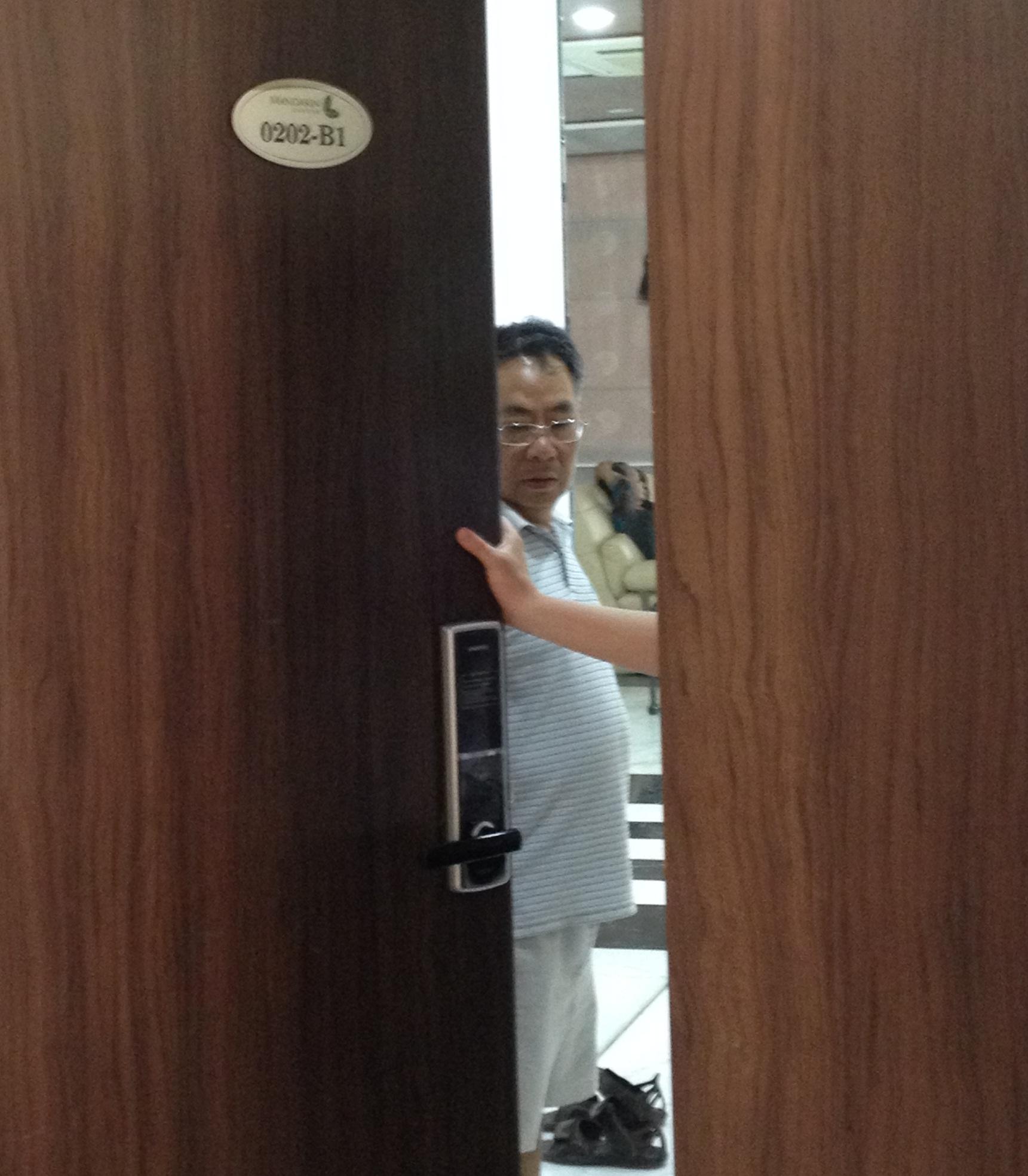 Lắp đặt khóa vân samsung tại B1-0202 Mandarin